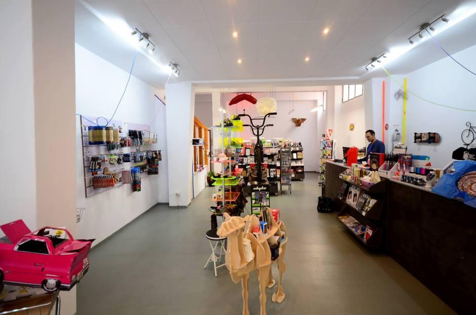 Weeknjoy store