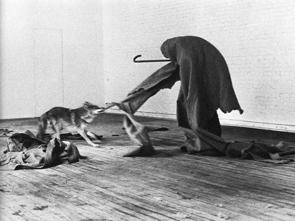 joseph-beuys-e2809ci-like-america-and-america-likes-mee2809d-performance-1974-4