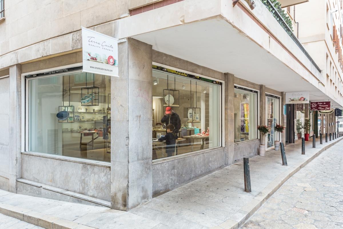Los maestros ceramistas de 'Terra Cuita' han abierto una tienda en Palma